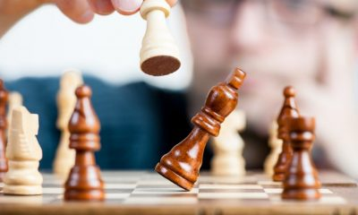 Конкуренты - бенчмаркетинг. CC0 License_https://www.pexels.com/photo/battle-board-game-castle-challenge-277124/